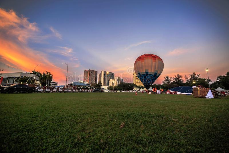 El balón de aire hermoso en Labuan foto de archivo
