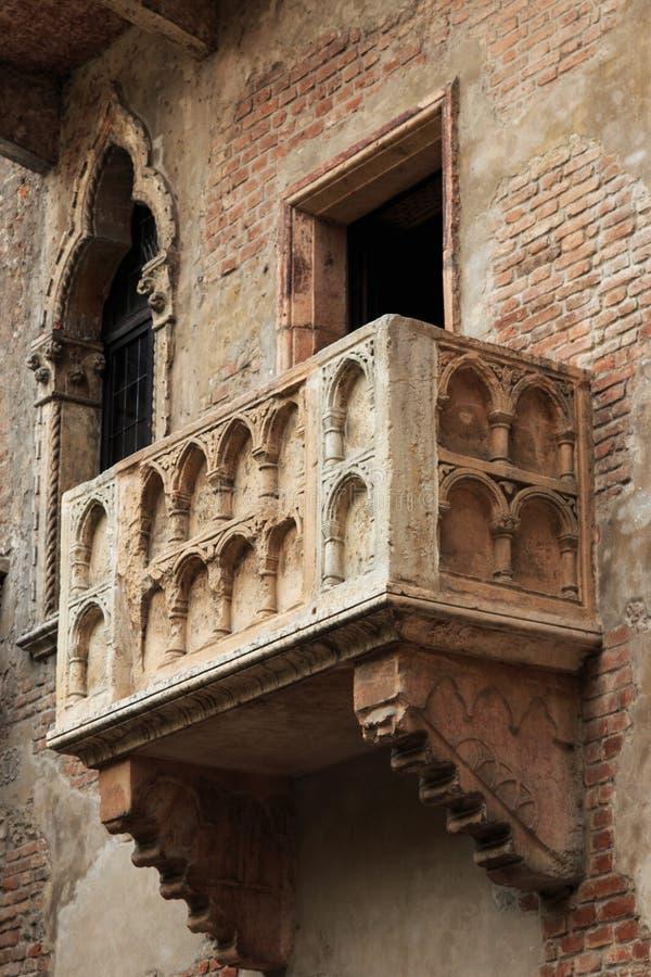 El balcón de Juliet famoso - Verona en Italia fotografía de archivo