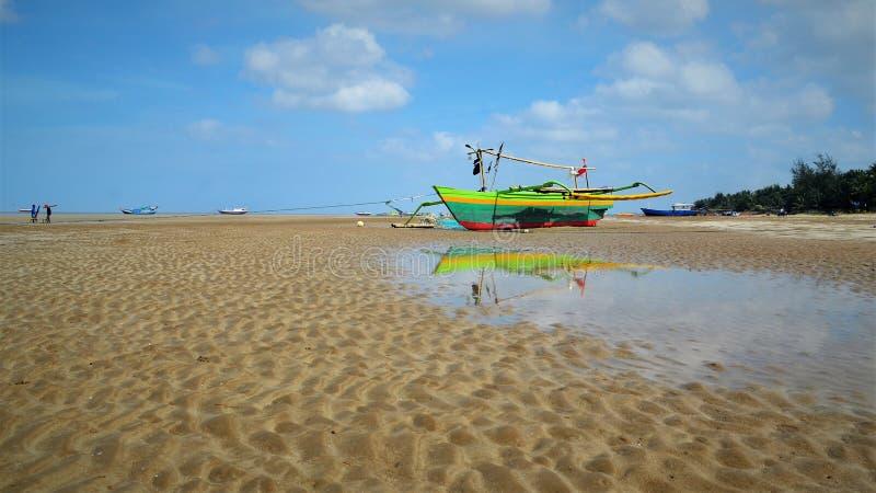 El barco colorido imagenes de archivo
