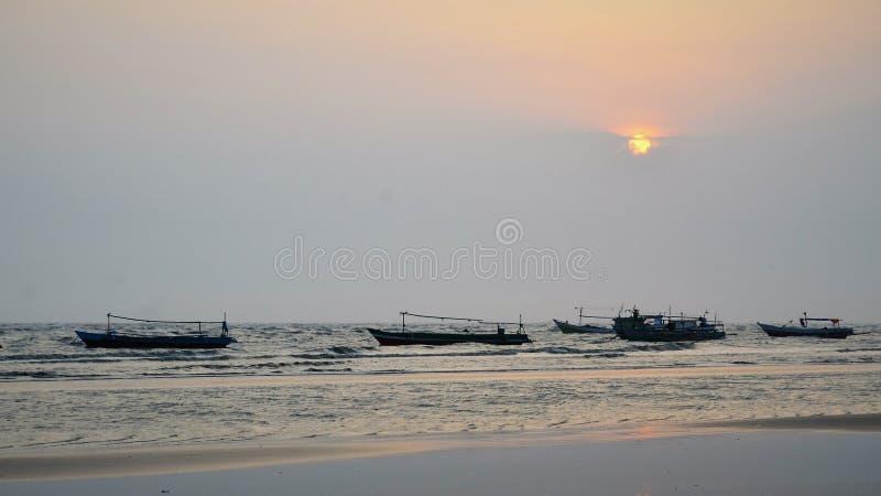 El barco 04 de la puesta del sol foto de archivo libre de regalías