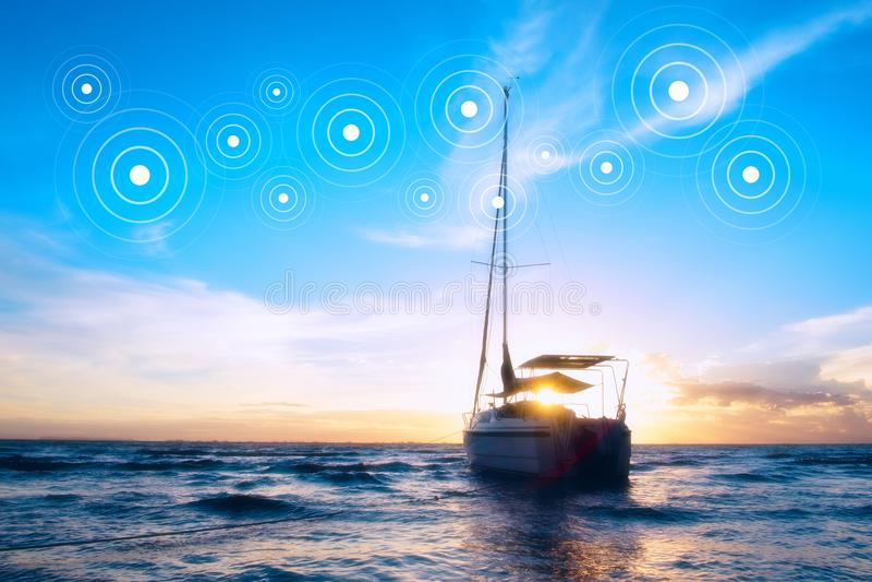 El barco en el mar fotografía de archivo libre de regalías
