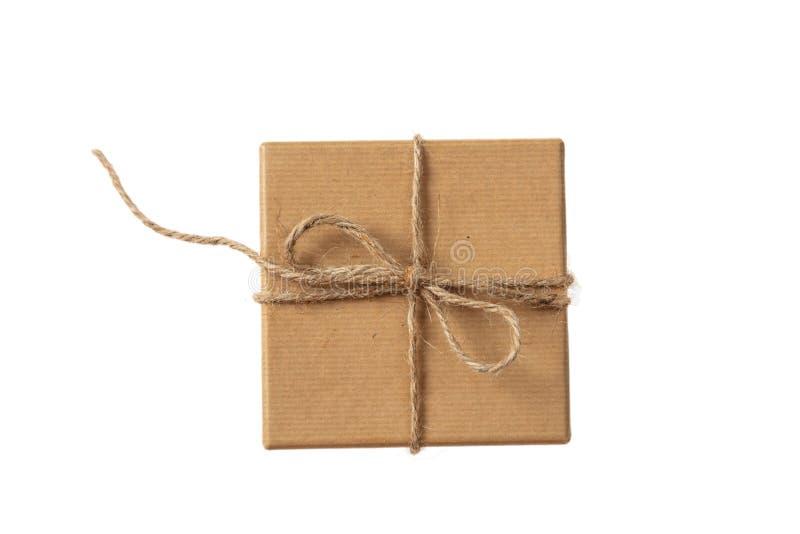 El beige aislado recicla la opinión superior de la caja de regalo foto de archivo libre de regalías