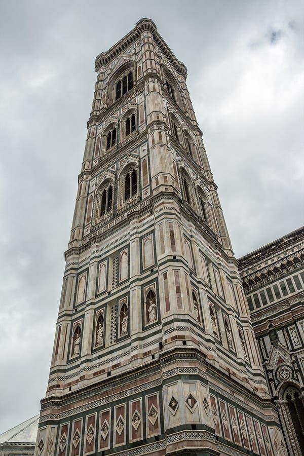 El belltower de la catedral de Santa Maria del Fiore foto de archivo