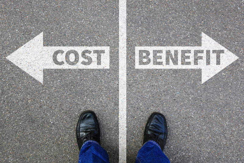 El beneficio de costes y beneficios de la pérdida financia busi financiero de la compañía del éxito imagen de archivo