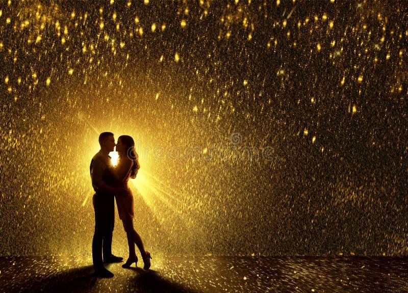 El besarse junta la silueta, contornea amor de los pares de la tarjeta del día de San Valentín s imagen de archivo