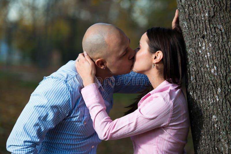 El beso foto de archivo libre de regalías