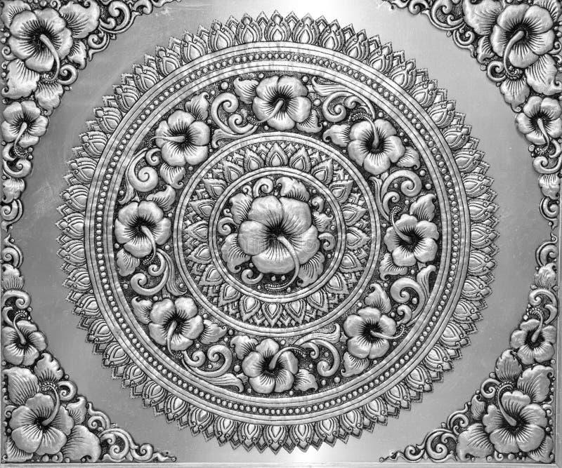 El blanco y negro del alivio tailandés de la bella arte foto de archivo libre de regalías