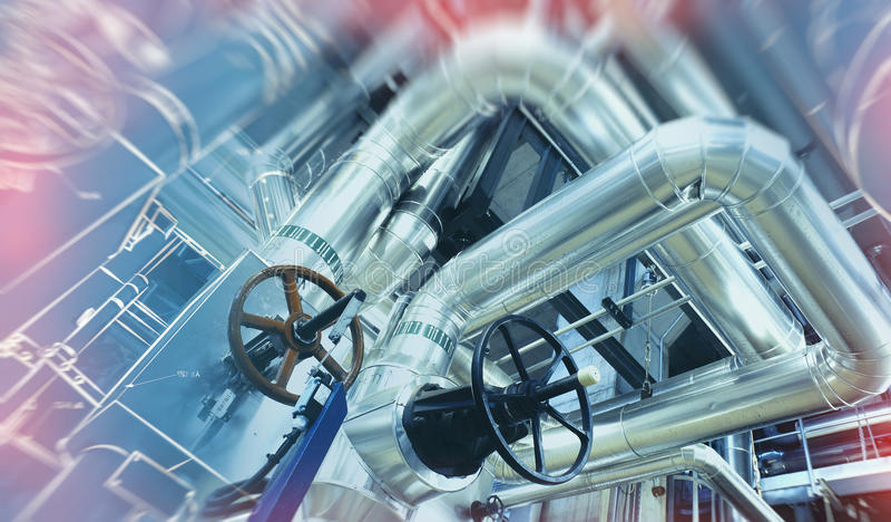 El bosquejo del diseño de la tubería se mezcló con la foto del equipo industrial foto de archivo libre de regalías