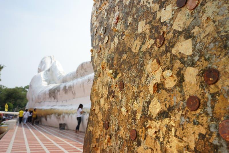 El Buda de descanso al aire libre más grande de Tailandia en Wat Satue, P foto de archivo libre de regalías