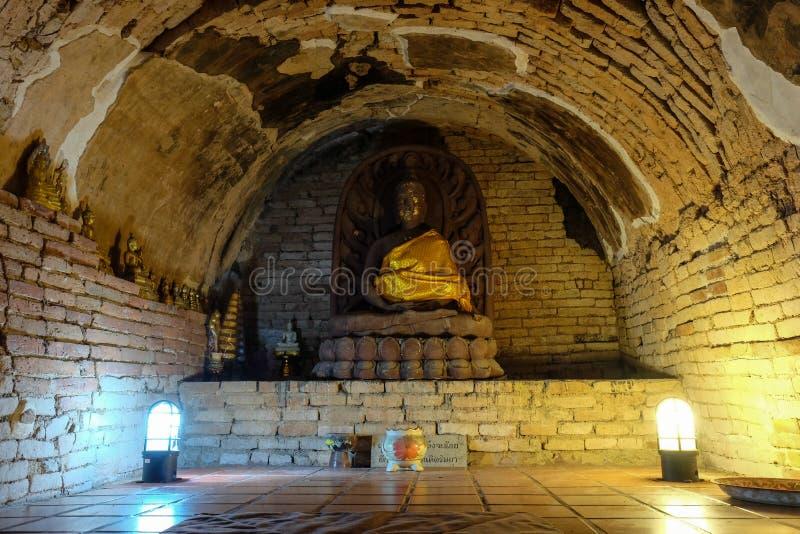 El Buda de piedra en Wat U-mong en el norte de Tailandia foto de archivo libre de regalías