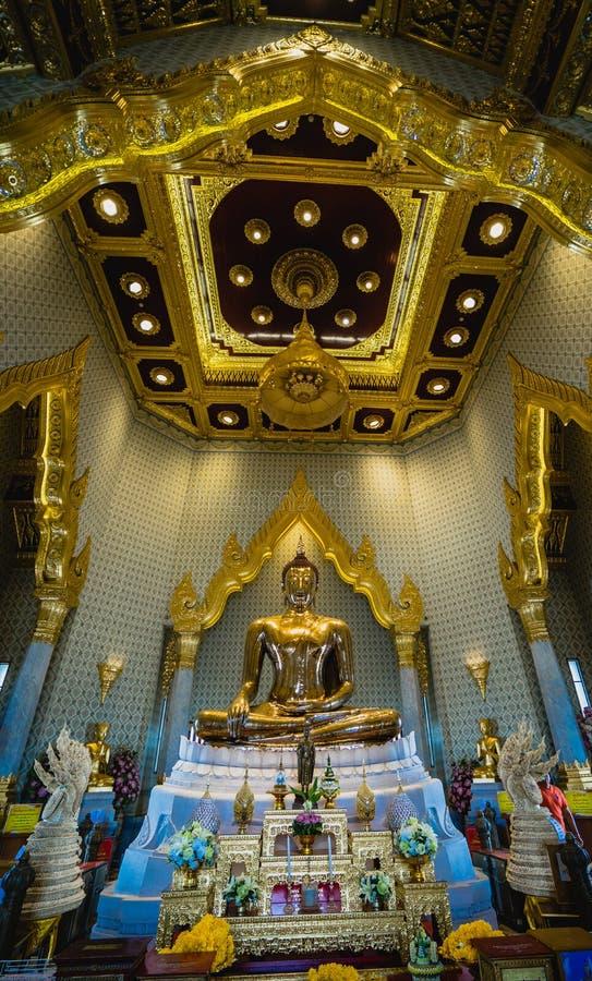 El Buda más grande hecho del oro, wittayaram del mit del trai de Wat, Bangkok, Tailandia fotografía de archivo libre de regalías