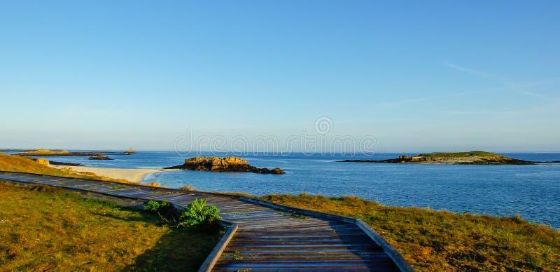 El buen camino para la playa del paraíso foto de archivo libre de regalías