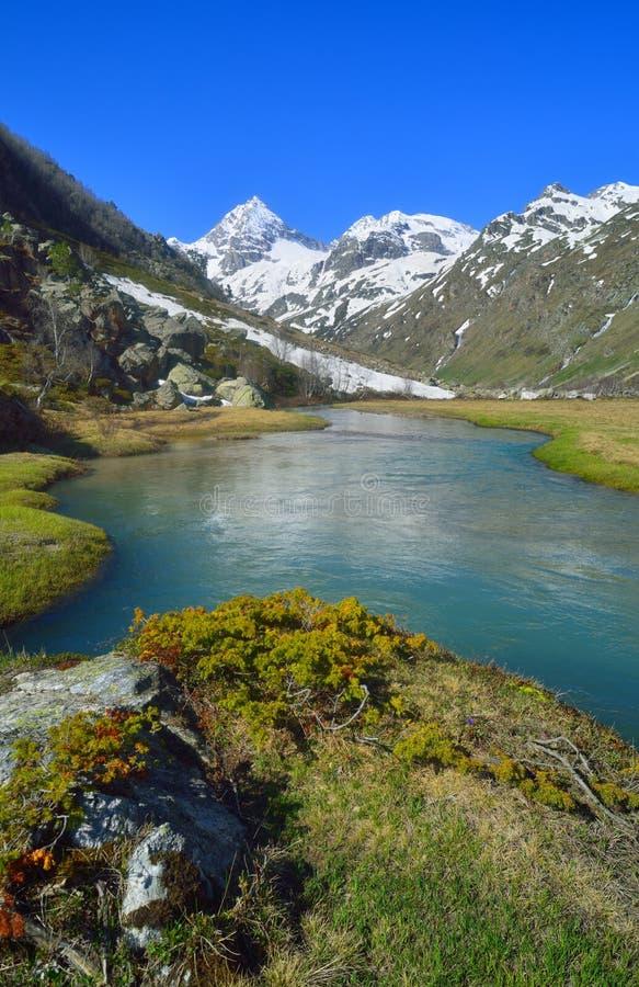 El Cáucaso en primavera fotografía de archivo libre de regalías