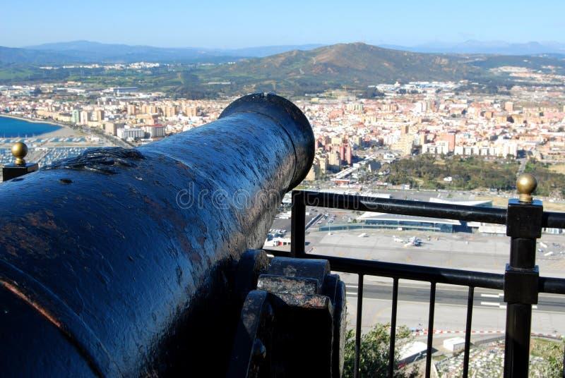 El cañón de Gibraltar pasa por alto el La Linea España imagen de archivo