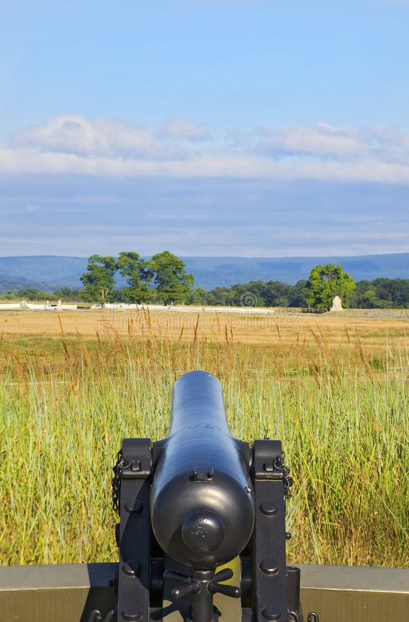 El cañón de la guerra civil tuvo como objetivo el campo de batalla Gettysburg Pennsylvania foto de archivo libre de regalías