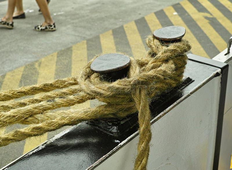El caballero con la cuerda en la litera imagen de archivo libre de regalías