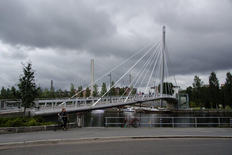 El cable permanecía el puente foto de archivo libre de regalías