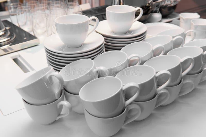 Download El Café Con Leche Ahueca Listo Para Utilizar Imagen de archivo - Imagen de placa, listo: 64211455