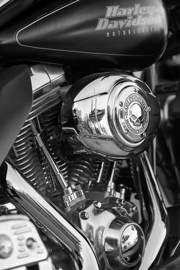 EL Cajon, CA/USA - 2 de agosto de 2016: Casado con los frunces del grupo de las motocicletas para su reunión mensual Un club de l fotos de archivo