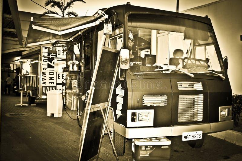 El camión de la comida fotografía de archivo libre de regalías