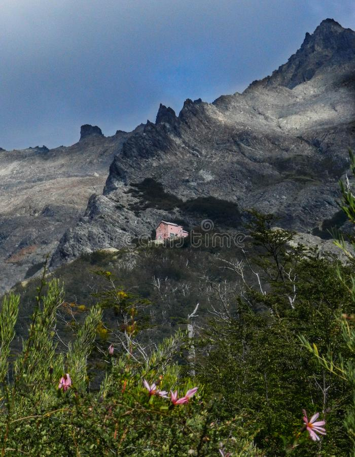 El caminar al refugio en Cerro López en la Patagonia de Argentina foto de archivo libre de regalías