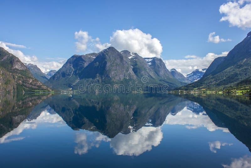 El caminar en Noruega foto de archivo libre de regalías