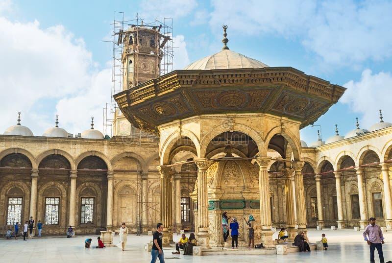 El caminar en Saladin Citadel imagen de archivo libre de regalías