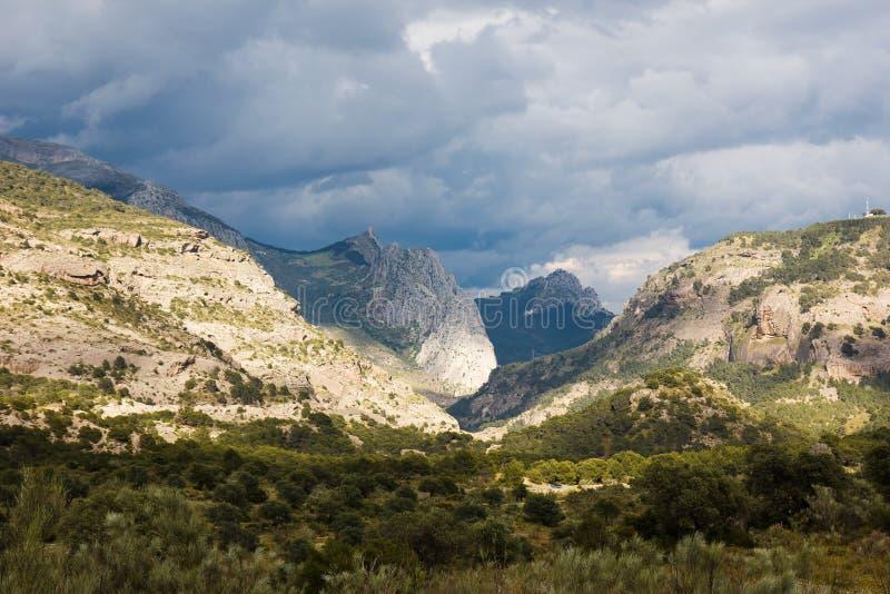 El Caminito del Rey i klyftan för El Chorro Ardales Malaga, Spanien royaltyfri bild