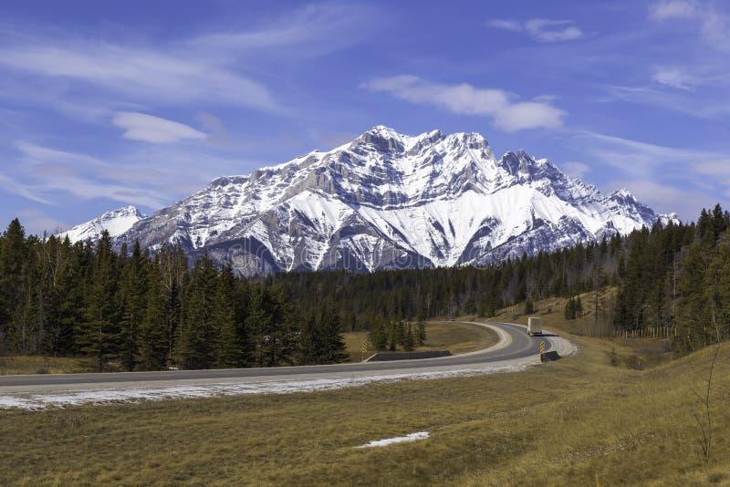 El camino a Banff fotografía de archivo libre de regalías