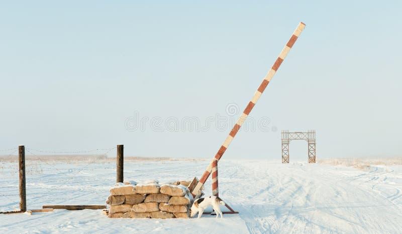 El camino de la vida en el lago Ladoga durante el bloqueo de Leningrad durante la Segunda Guerra Mundial foto de archivo