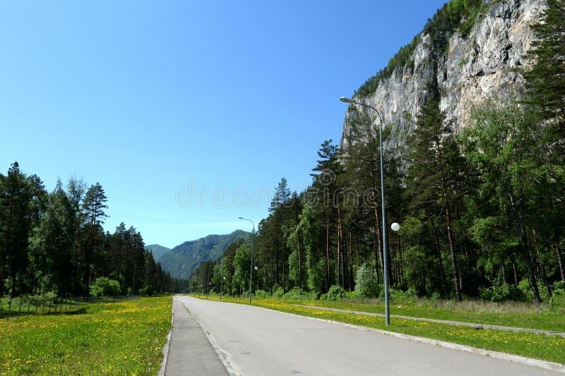 El camino en el turista y el ` recreativo de Katun de la turquesa del ` de la zona imagen de archivo