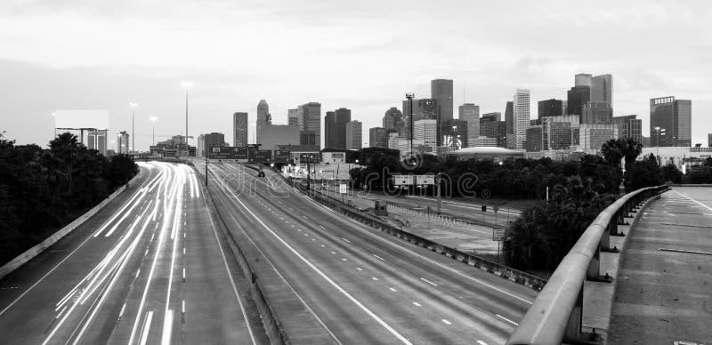 El camino parece converger horizonte céntrico Houston Texas de la ciudad imágenes de archivo libres de regalías