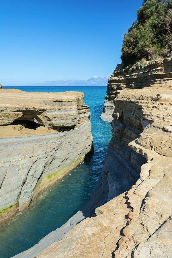 El canal del amor, amorío del ` del canal d en Sidari Isla de Corfú, Grecia fotografía de archivo