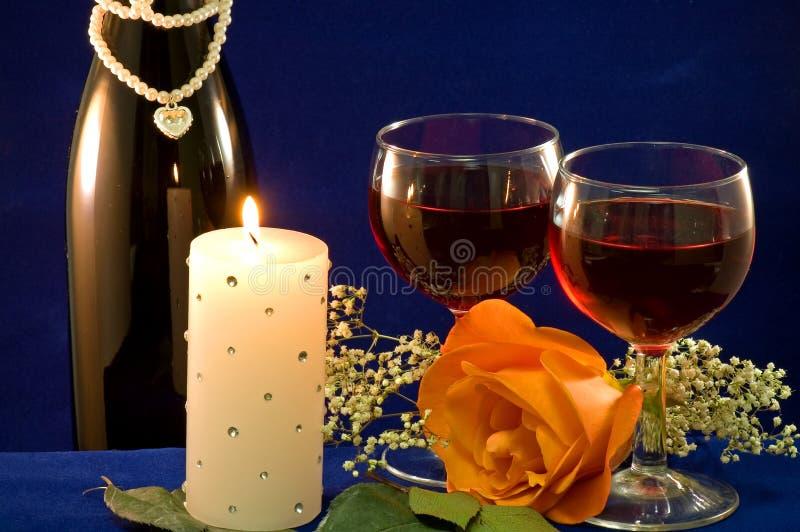 El candlight del vino y se levantó imágenes de archivo libres de regalías