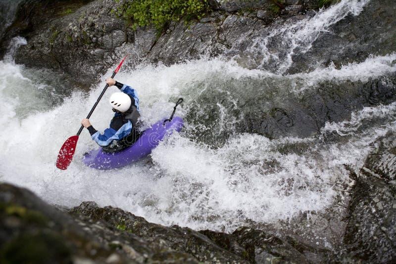El canoeing del agua blanca imágenes de archivo libres de regalías