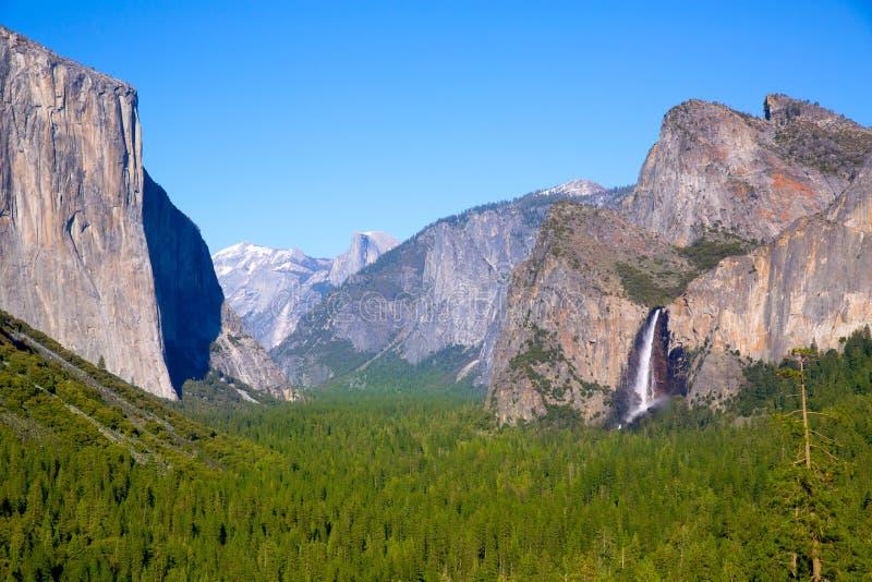 EL Capitan e mezza cupola di Yosemite in California immagini stock libere da diritti