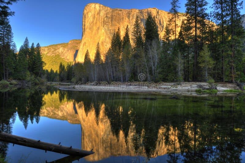 El Capitan góra widzieć przy półmrokiem, zmierzchem/, Yosemite park narodowy fotografia royalty free