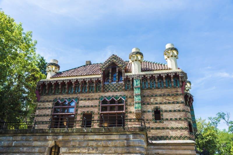 El Capricho宫殿由建筑师Gaudi,西班牙的 免版税库存照片