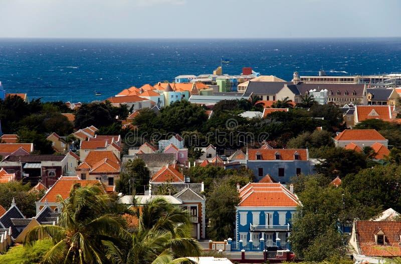 el Caribe Willemstad, capital de la isla de Curaçao foto de archivo