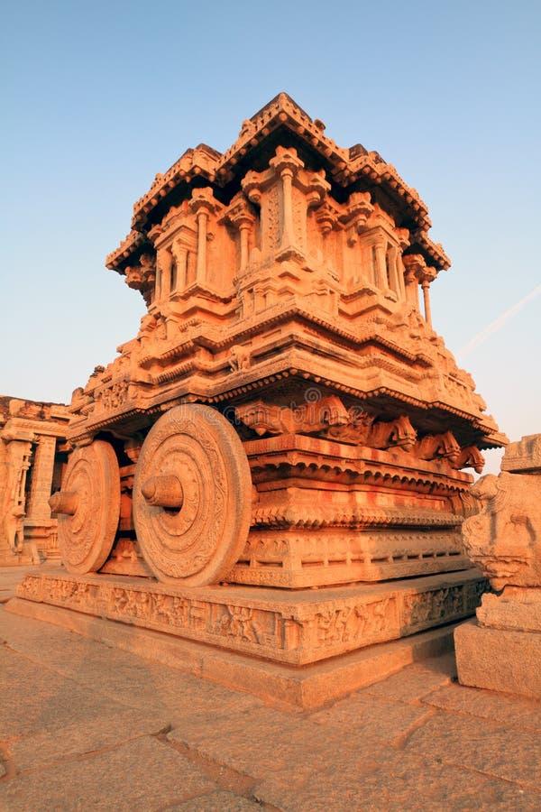 El carro de piedra en el templo de Vittala, Hampi foto de archivo