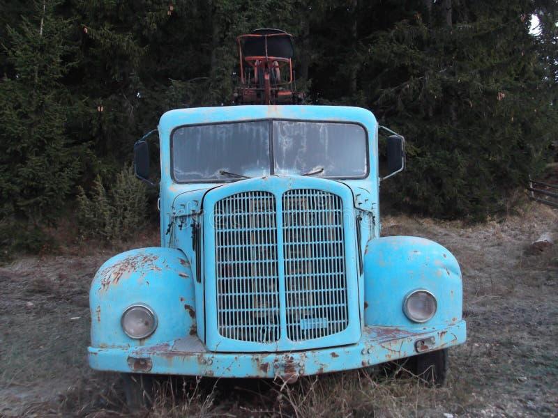 El carro viejo imagen de archivo libre de regalías
