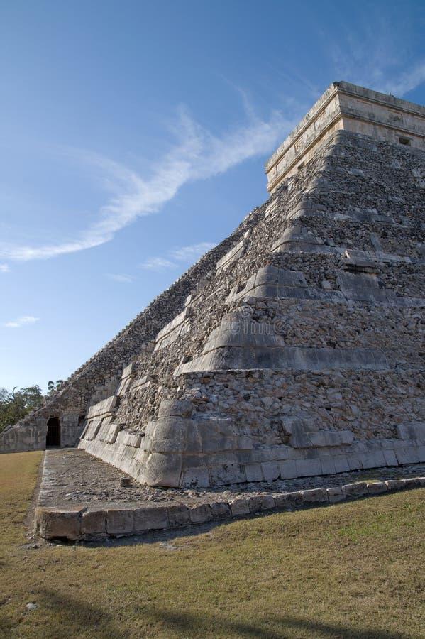 Download El Castillo (the Castle) - Temple Of Kukulkan Stock Image - Image: 14701803