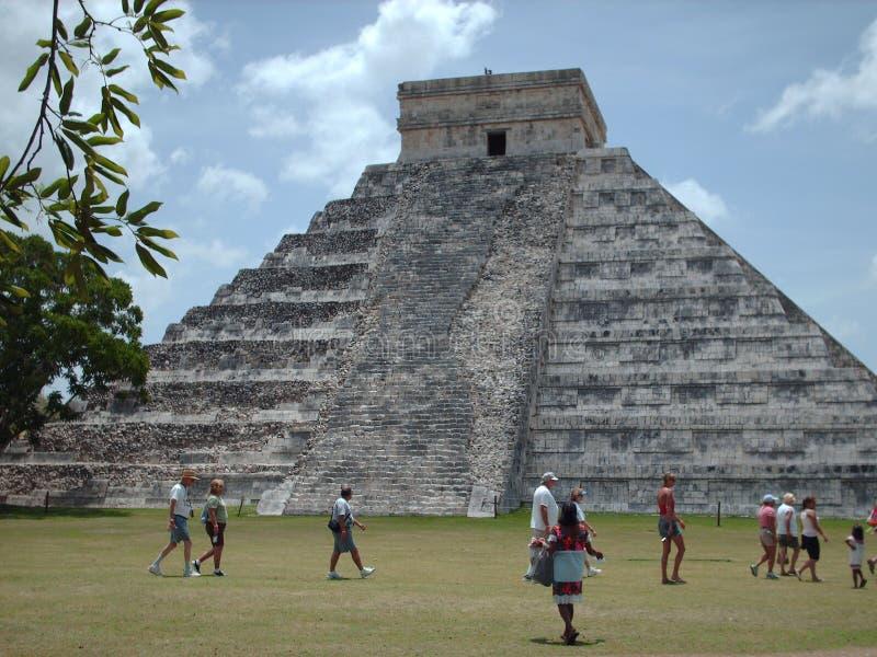El Castillo - Chichen Itzá stock photos