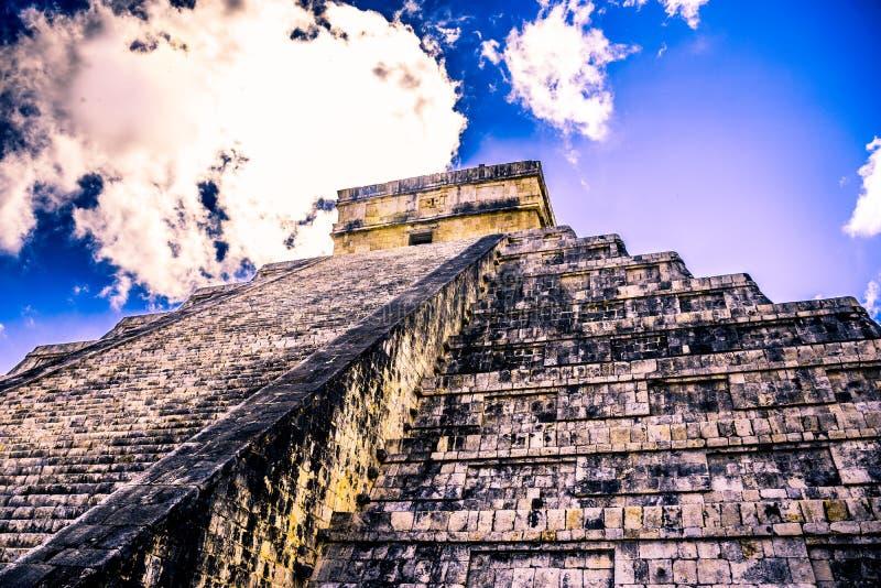El Castillo in Chichen Itza, Mexico stock photography
