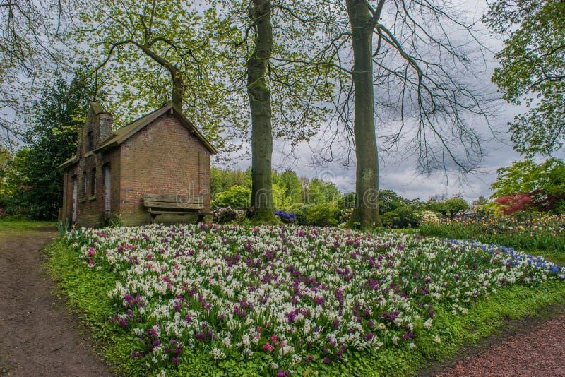 El castillo de Groot-Bijgaarden - jardines foto de archivo libre de regalías