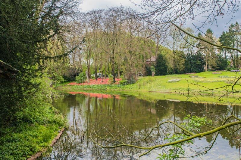 El castillo de Groot-Bijgaarden - jardines imágenes de archivo libres de regalías