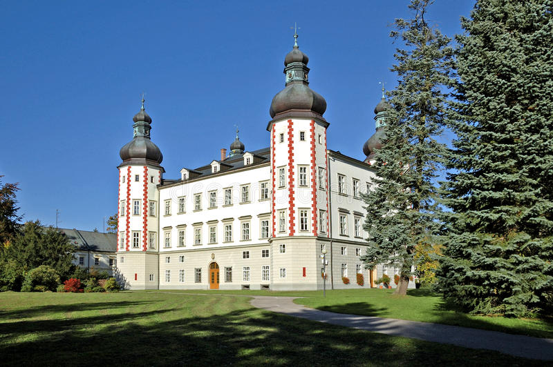 El castillo de Vrchlabi fotos de archivo