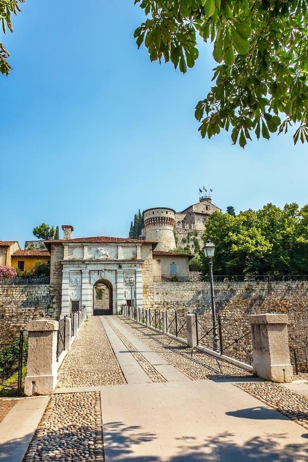 El castillo en Brescia Lombardía foto de archivo