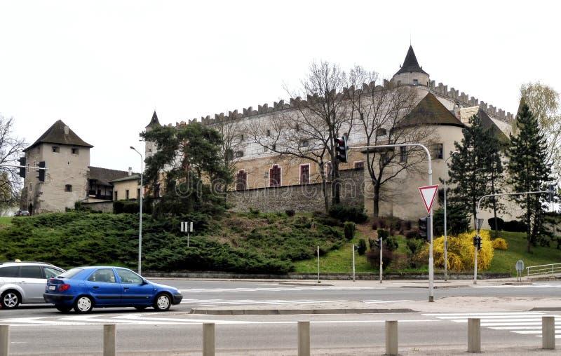 El castillo francés en Zvolen fue construido por el rey húngaro Louis de Anjou en el tercer pasado del siglo XIV eslovaquia fotos de archivo libres de regalías