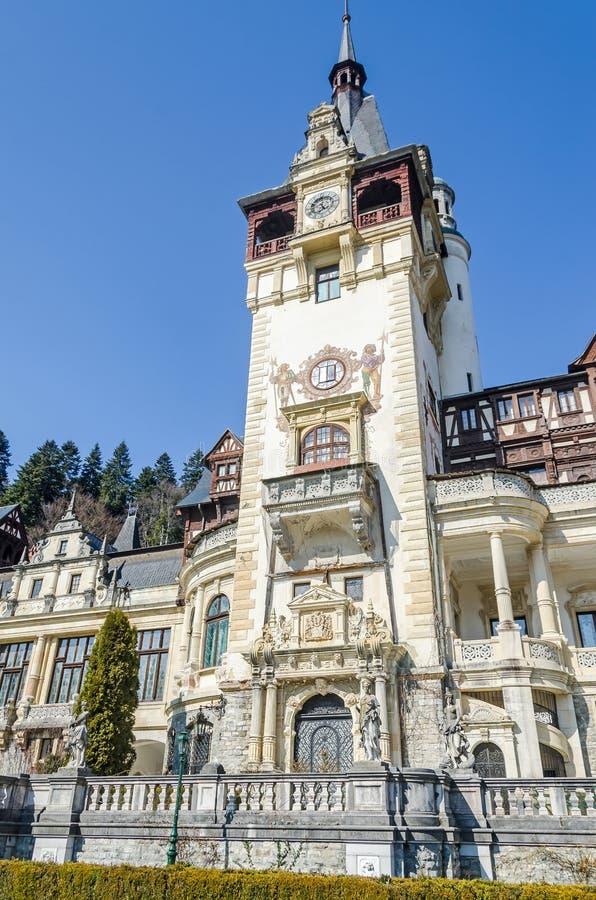 El castillo Peles, poseer por Regele Mihai (rey Michael) de Rumania, ahora trabajos como museo Sinaia rumania fotografía de archivo libre de regalías